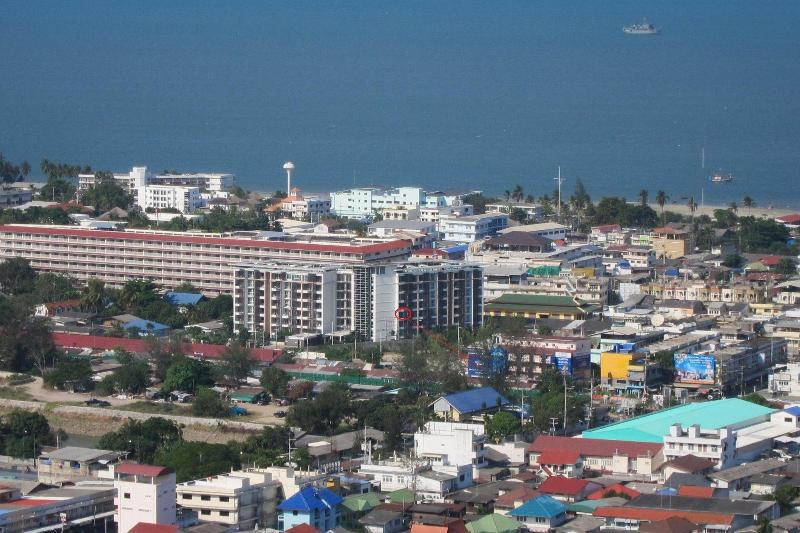 Beautiful, top-floor corner one bedroom unit - Image 1 - Hua Hin - rentals