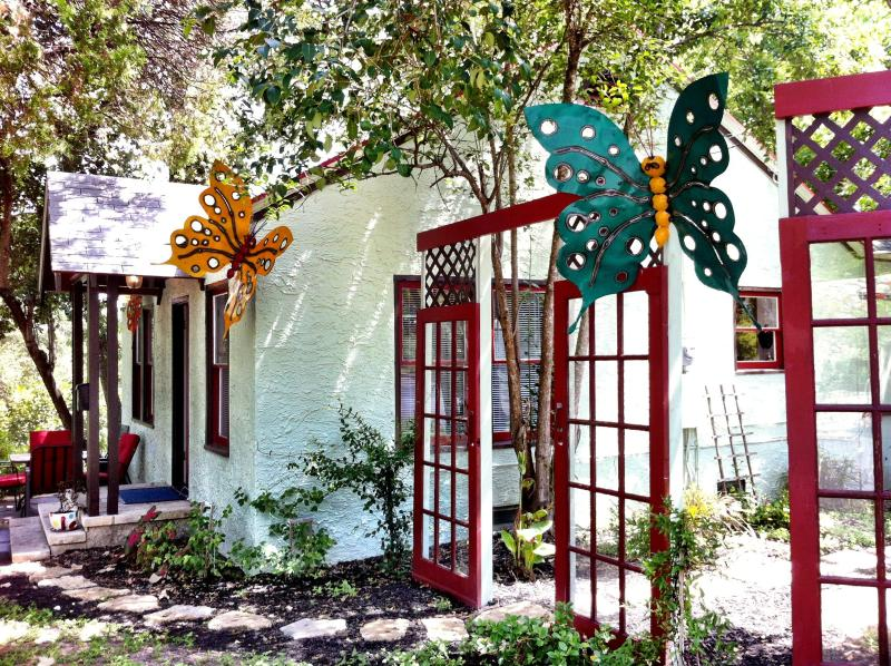 Butterfly Bungalow, Walk Everywhere! so/co - Image 1 - Austin - rentals