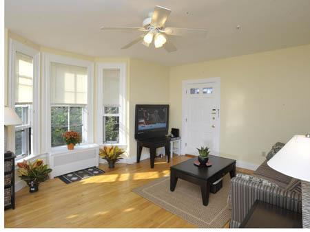 Living room - Family Vacation Rental in Cambridge (M873-1) - Cambridge - rentals