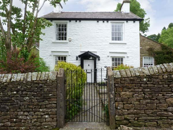 CONGREGATIONAL MANSE, a detached character Grade II listed cottage, with woodburners, conservatory and snug, in Dent, Ref 9752 - Image 1 - Dent - rentals