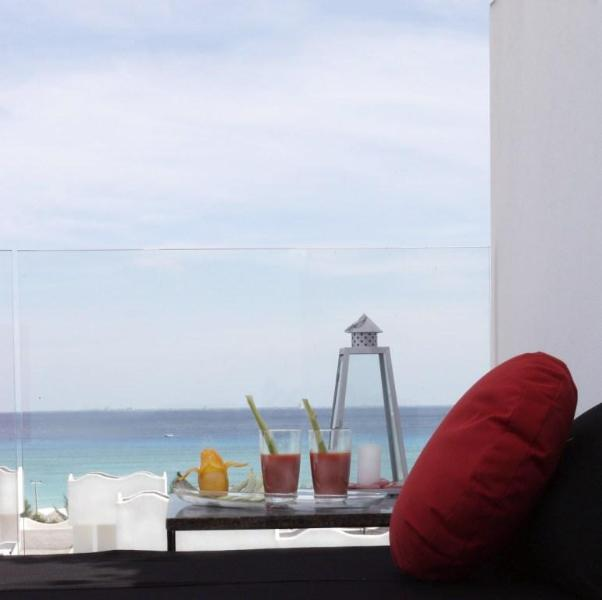 common rooftop - Amazing 3 bedroom Condo just steps from the beach - Playa del Carmen - rentals
