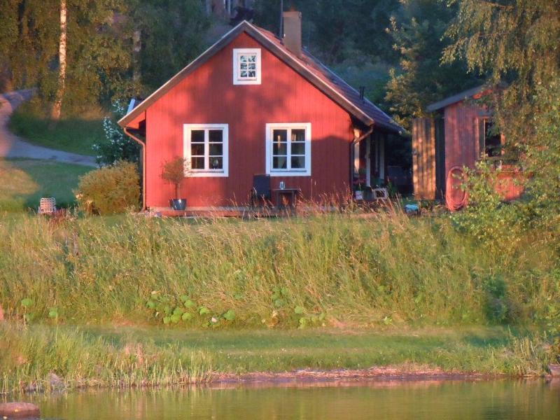 House from lake side with small childrens beach - Private property by the lake near Drottningholm - Stockholm - rentals