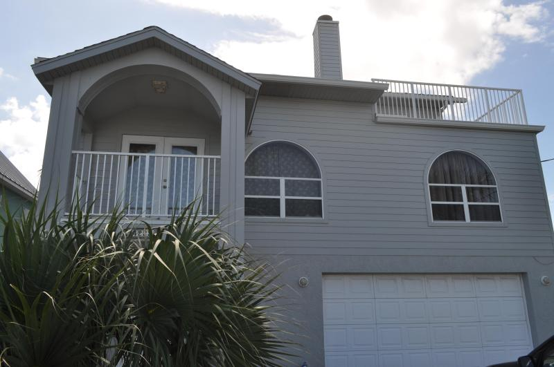 Front view. - Fall Specials 800 wkly Pool home  4222 - Daytona Beach - rentals