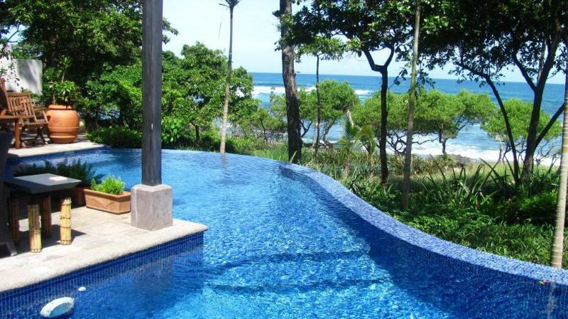 View from pool looking out over the ocean - Beachfront Luxury Estate In A Gated Community - Tamarindo - rentals