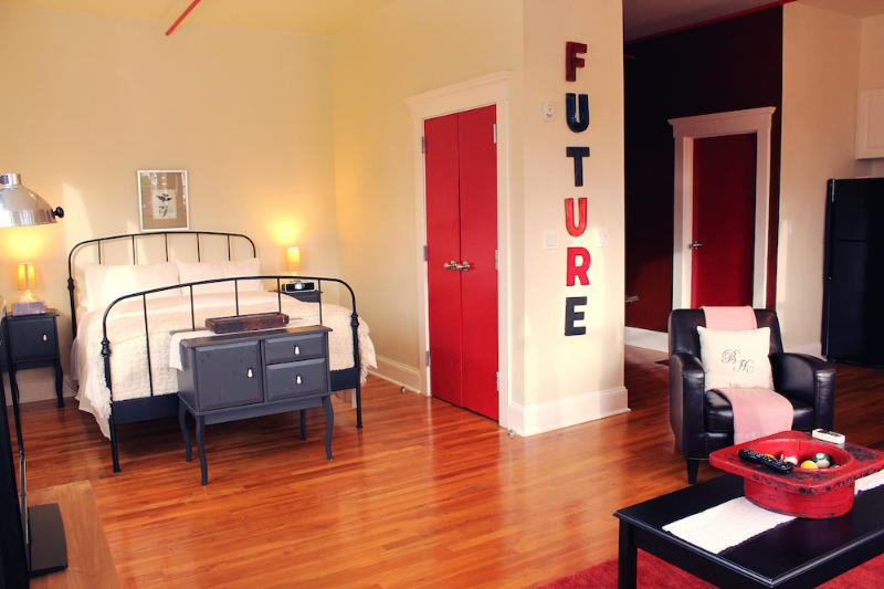 The Box House, City View Loft Suite with Terrace - Image 1 - Brooklyn - rentals