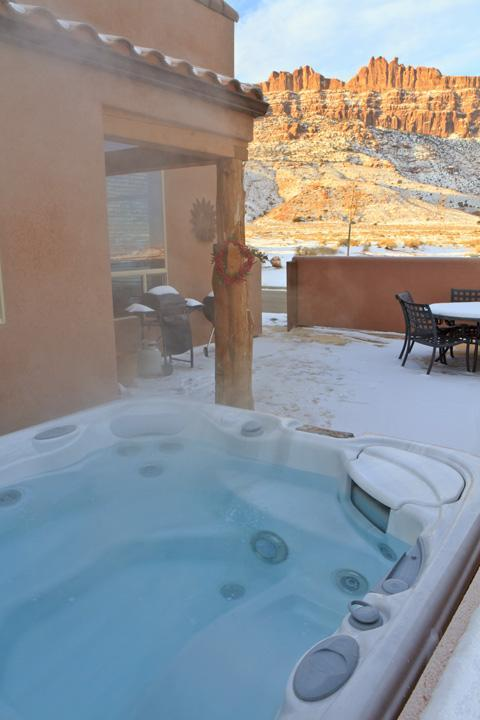 Hot tub with Rim and La Sal Mt. views - 3BR w/ fireplace, hot tub, unobstructed views - Moab - rentals