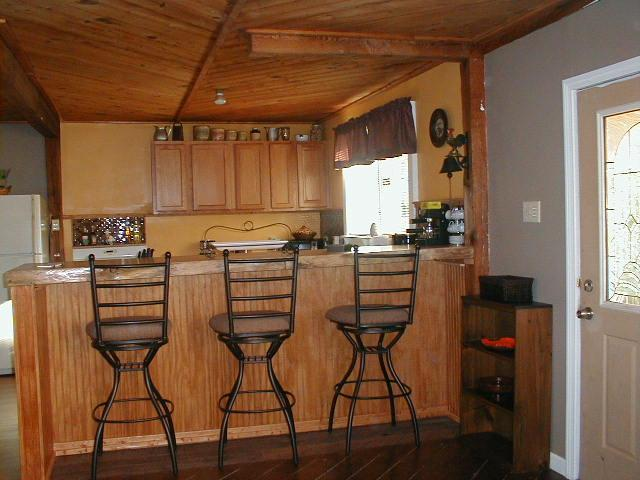 Awesome pine slab bar top...overlooks kitchen open to living area - 2 bedroom house on private road...walk to shops - North Conway - rentals