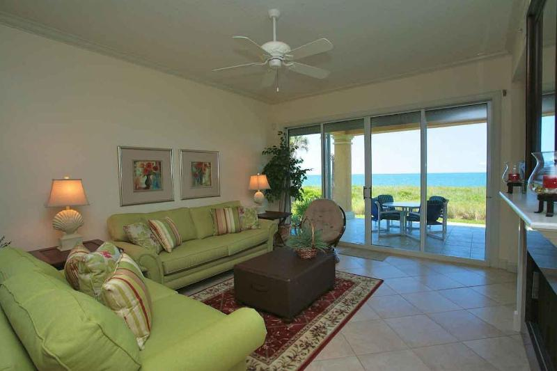 Living Room overlooking ocean - The ocean, sand and luxury living are yours. - Saint Augustine - rentals
