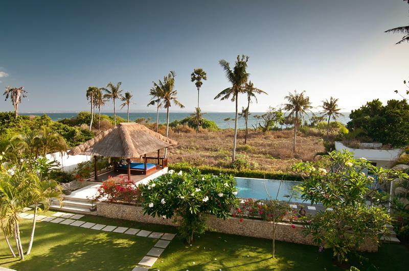 The Pool and Ocean - BEACHFRONT SEMINYAK, 3 BDR, Stunning Sunsets! - Seminyak - rentals