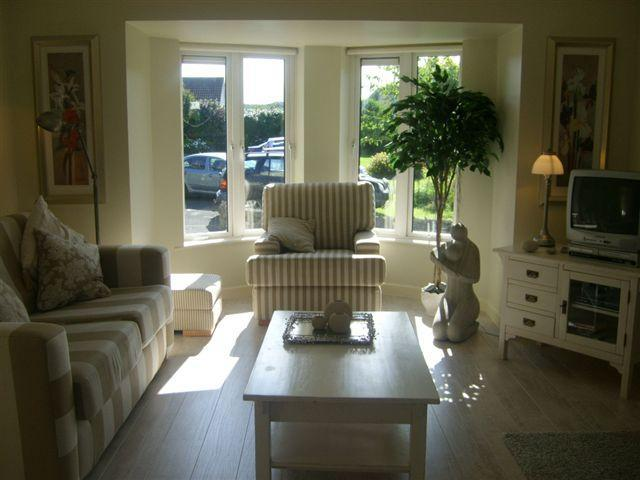 Comfortable Cosy Bright and Peaceful - Clifden Holiday Home beside Sea, Mountains and Lakes - Clifden - rentals