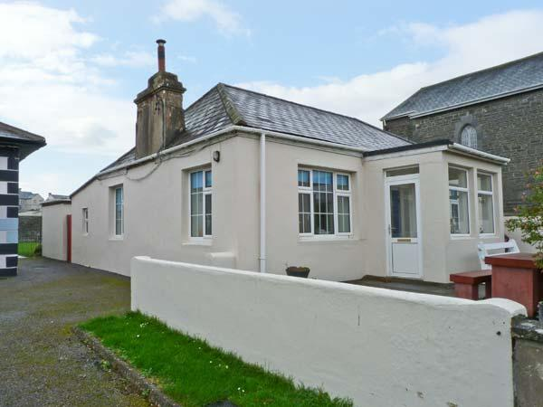 ST MARY'S, near scuba diving and fishing, with off road parking, a woodburner and patio garden, in Kilkee, Ref 10716 - Image 1 - Kilkeel - rentals
