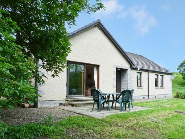 THE SYKE, single storey, tennis court, fly fishing, country location, Selkirk Ref 16921 - Image 1 - Selkirk - rentals