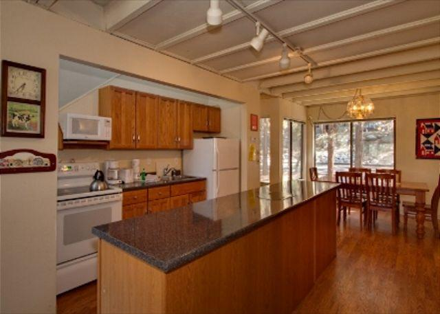 Cute Lake Tahoe Condo Located Near Everything - Image 1 - Stateline - rentals