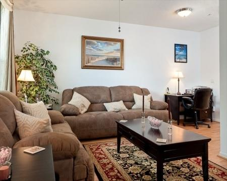 Elegant but cozy living room - Luxurious 3 Bedroom Jupiter Townhome Nr Beach - Jupiter - rentals