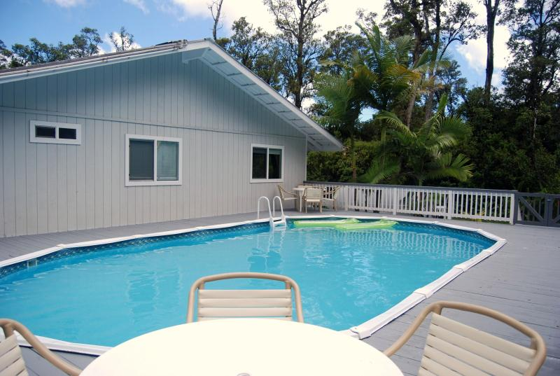 Solar Heated Private Pool with Furnished Deck  - Tropical Pool Home in Pahoa - Pahoa - rentals