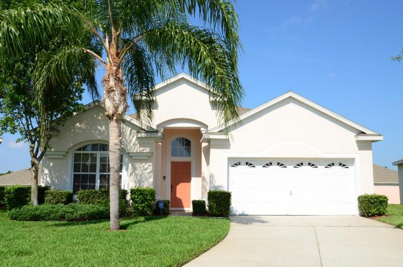 Front view of the villa - Windsor Palms Resort/southwestPool/GamesRoom/Gated/WIFI - Kissimmee - rentals