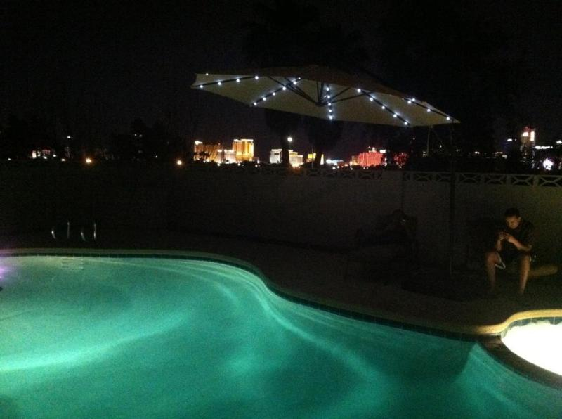 Pool and night view from house - Fantastic Las Vegas Home with View & pool - Las Vegas - rentals