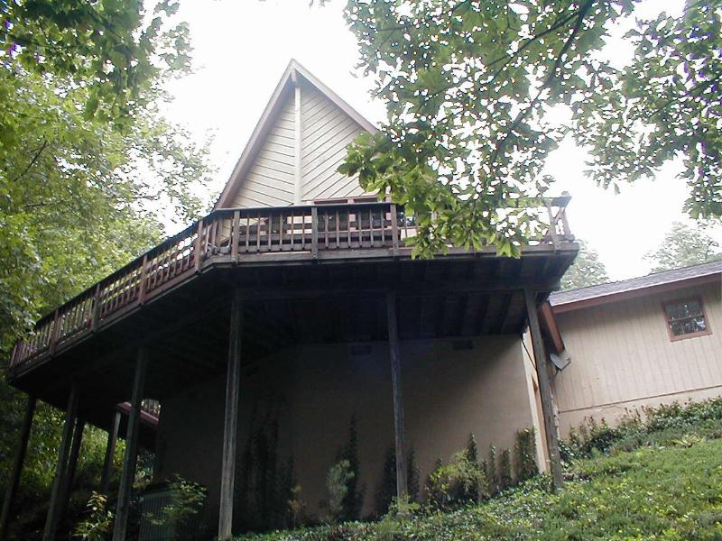 View from the woods - Pine Shadows Chalet - Columbus - rentals