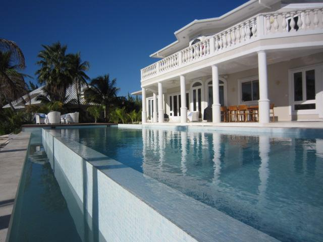 Contemporary Cayman Kai 4 bed villa with 50' pool - Image 1 - Cayman Kai - rentals
