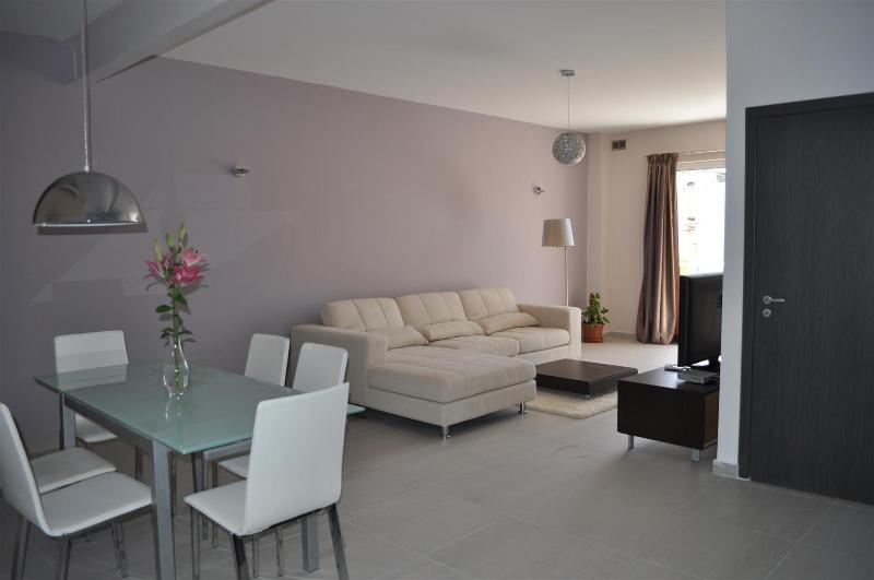 Open plan Living / Dining-room - Stylish, Luxurious & fully-equipped apartment - Saint Julian's - rentals