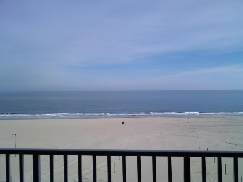 Direct Ocean View from balcony - Belmont Towers Direct Oceanfront/Boardwalk  September dates available. - Ocean City - rentals