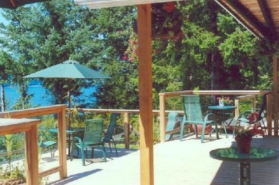 Huge Wraparound Decks with Hot Tub - Bluewater Cottage - A Private Waterfront Get-Away - Bowen Island - rentals