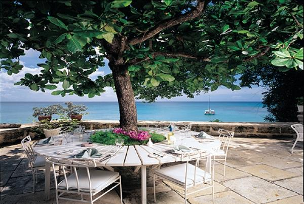 Outdoor dining with amazing views of  the Caribbean Sea  - Crystal Springs: Theatrical Ambiance - The Garden - rentals