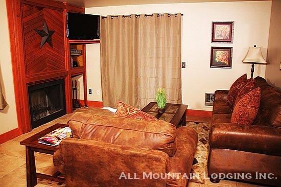 Red Pine U1: Stay Central to Deer Valley, Park City, and Canyons in this Remodeled Rental - Image 1 - Park City - rentals