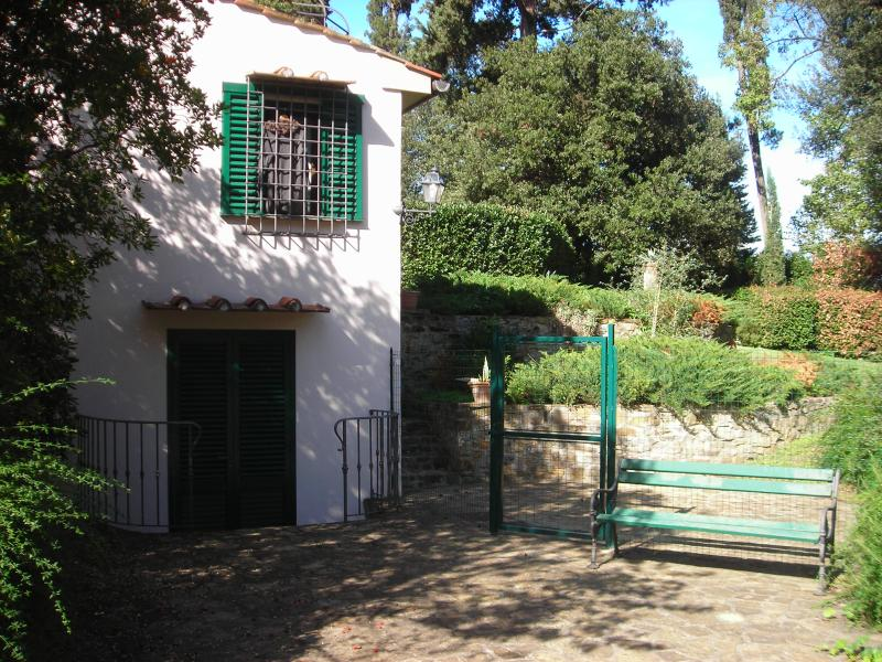 Front - Fab Home on Hill (Pt Romana) 5 min to Florence - Florence - rentals