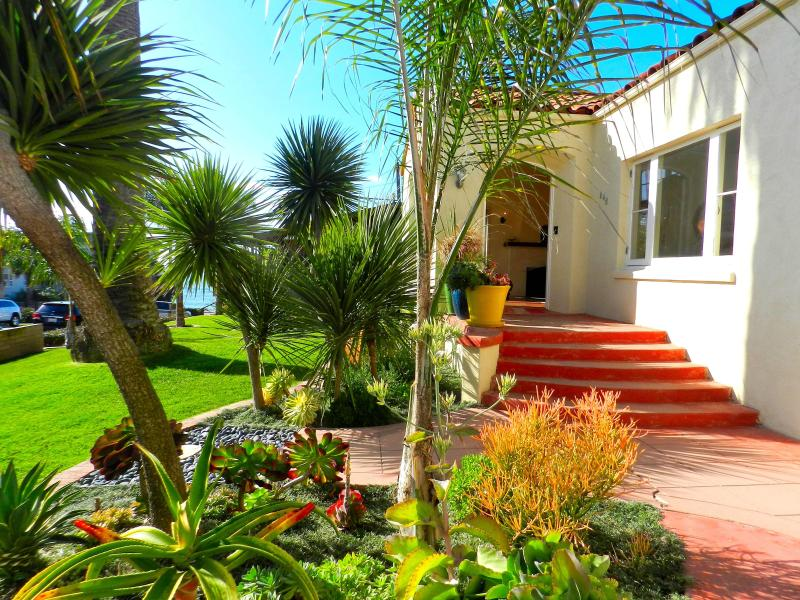 Welcome to your beach vacation! - Seaside Spanish 'Casa', Steps to Ocean, Surf! - La Jolla - rentals