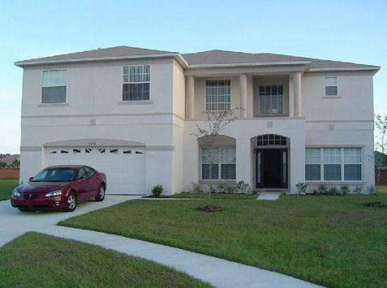 Front Exterior View of Home - CL6P5426CMC 6 BR Luxury Pool Home with Tranquil Views - Kissimmee - rentals
