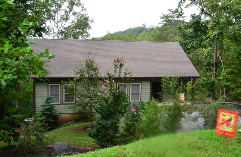 View of cottage from the road - Beautiful 3 bedroom cottage in Lake Lure - Lake Lure - rentals