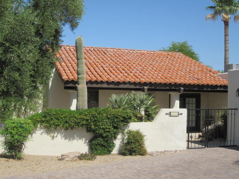 front of casita - 2 Bedroom Casita in a golf resort in Carefree, AZ - Carefree - rentals