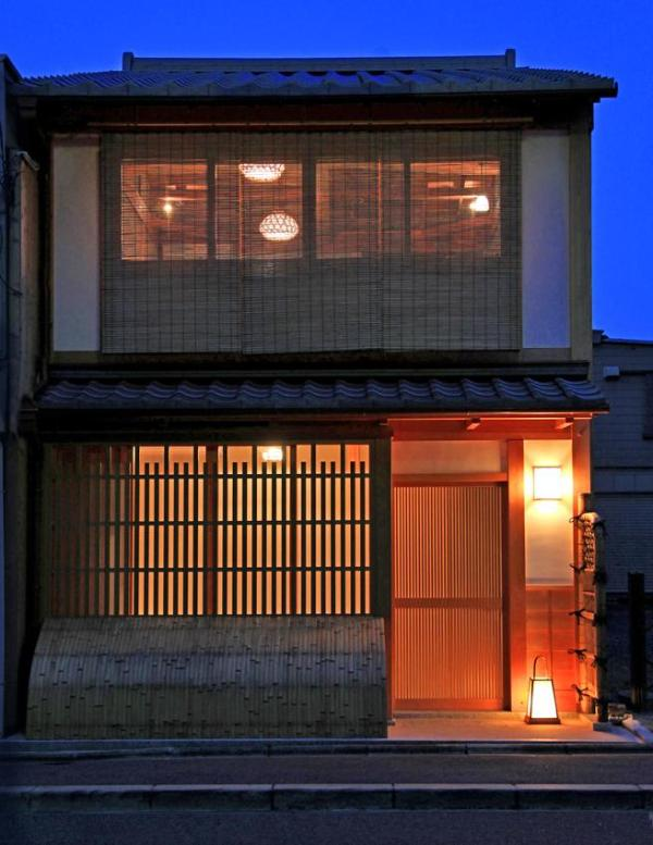 It was repaired Gion historic district building by Kyoto City Gov.  - The Gion House is Centrally-Located in Gion - Kyoto - rentals
