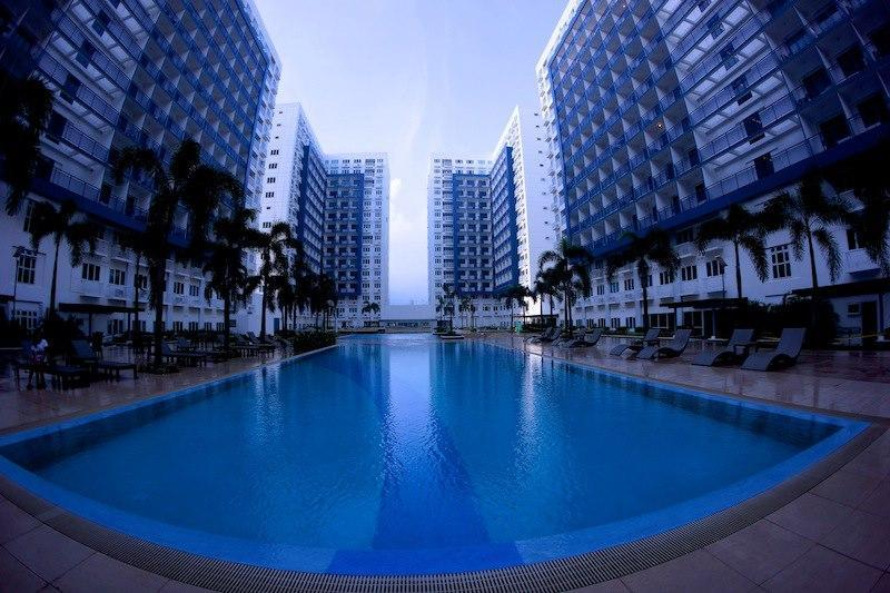 Swimming pool - 1 bedroom @ Sea Residences SM MOA Pasay Manila - Pasay - rentals