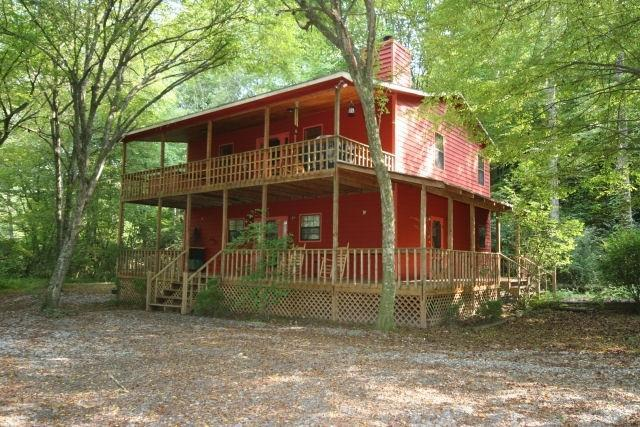 Hidden in the woods do you think anybody will know we are here - Secluded Romantic Creekside Cabin on three acres - Mineral Bluff - rentals