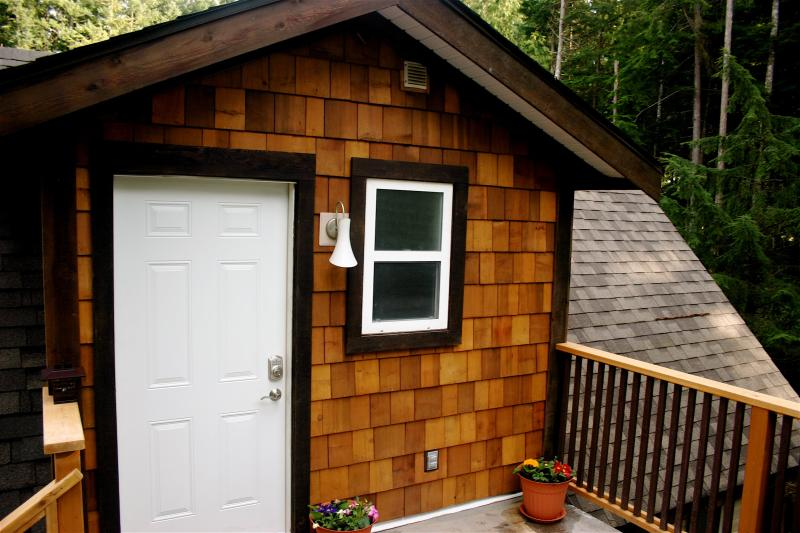 Dancing Trees Guest Cottage - Dancing Trees: private 1bdrm cottage allows pets - Comox - rentals
