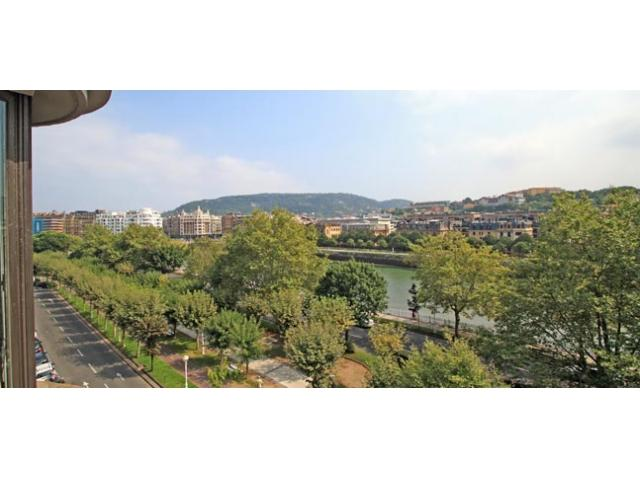 Náutico | Overlooking the river, wifi - Image 1 - Basque - rentals