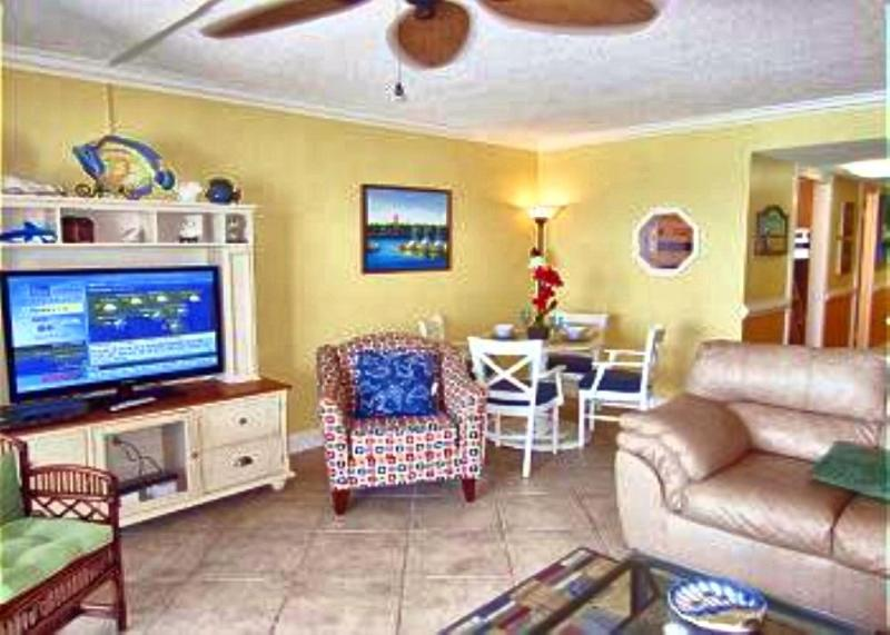 Spacious contemporary open concept living/dining room, - Summer Specials! Mariner East 1BR W/ BUNK ROOM - Panama City Beach - rentals