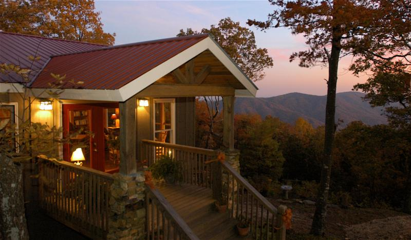 B&B Atop Fort Mountain - The Overlook Inn B&B - Six Rooms to Choose From! - Ellijay - rentals