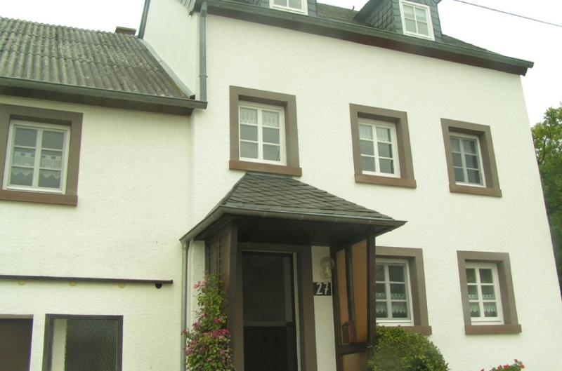 Vacation House in Pluetscheid - 1507 sqft, spacious, quiet, nice (# 3164) #3164 - Vacation House in Pluetscheid - 1507 sqft, spacious, quiet, nice (# 3164) - Plutscheid - rentals