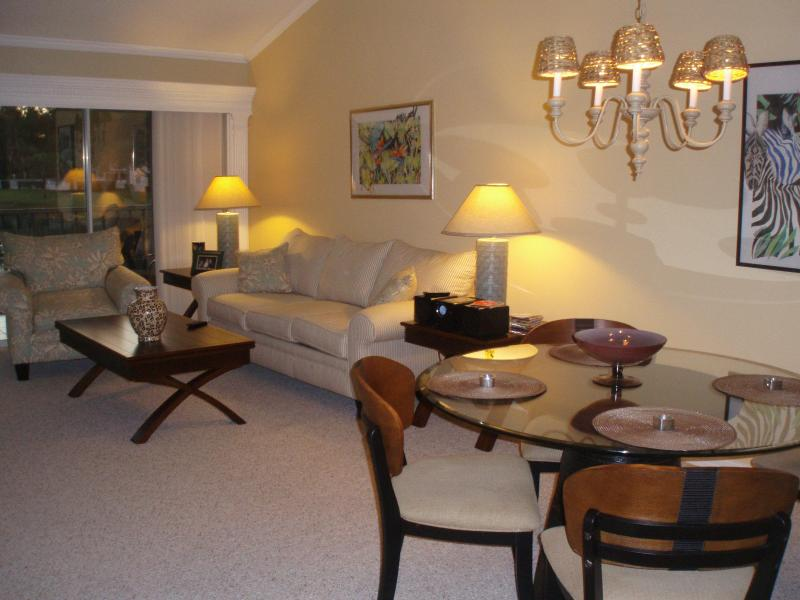 Dining -Living Room  - Naples, Fl  - Timber Lake - relax in a comfortable Condo ! - Naples - rentals