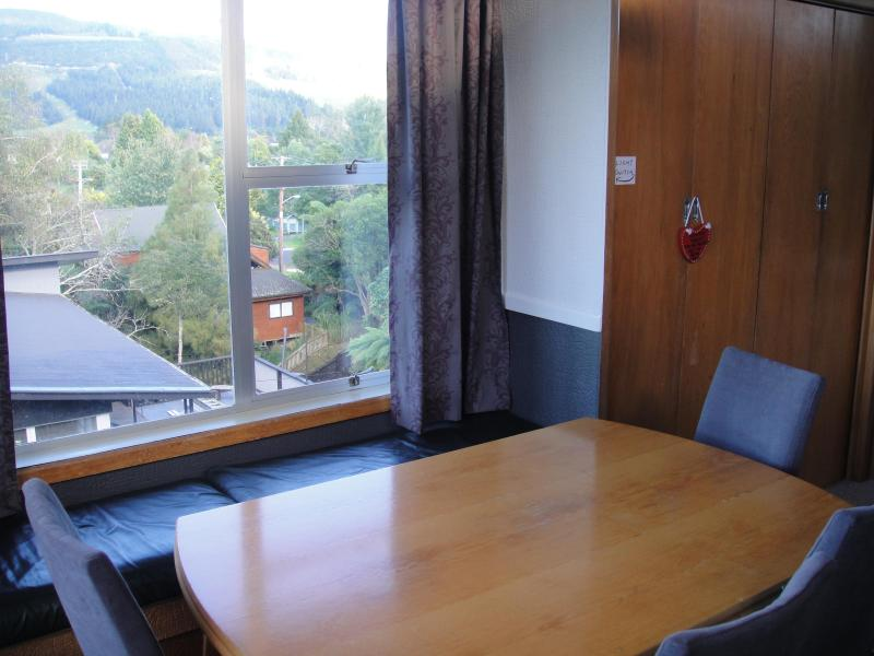 Dining area - Grand Vue Holiday House - Rotorua - rentals