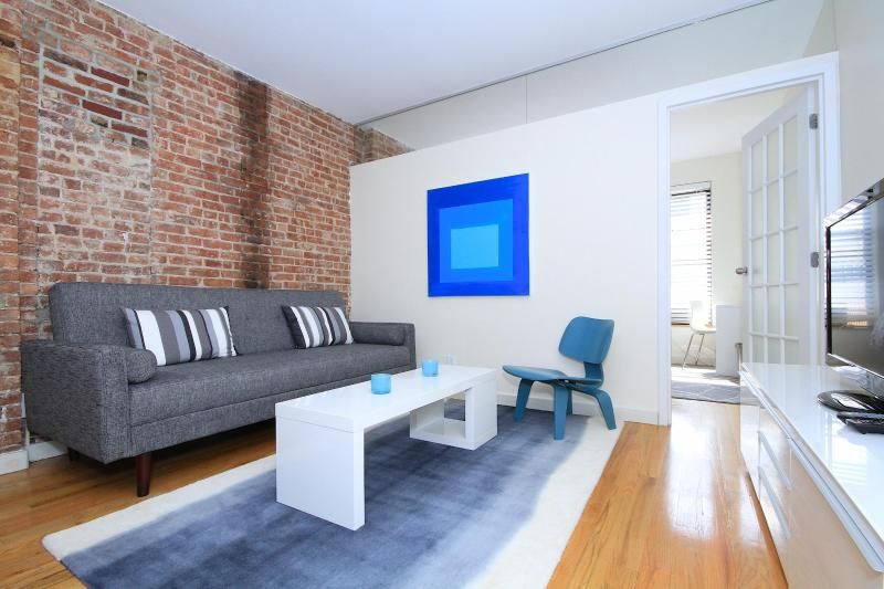Beautiful Unique Hell's Kitchen Midtown 2-Bed Apt! - Image 1 - New York City - rentals