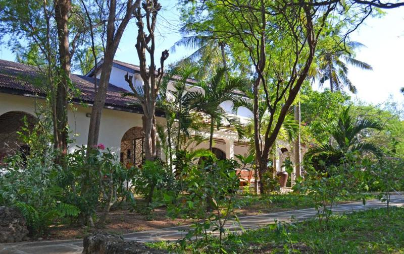 The house is nestled in mature trees - Arcadia - 4 Bedroom Villa with pool close to beach - Watamu - rentals