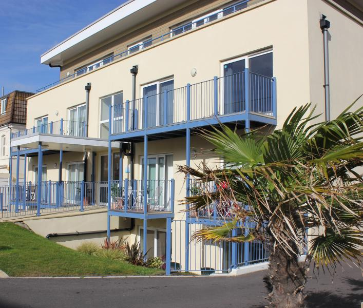 Blue Waters building - Apartment 7, Blue Waters - 4-Star - Bournemouth - rentals