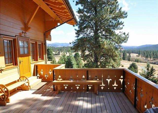 Main deck with panoramic mountain views! - The Chalet!  Fantastic private venue for multiple families! *Summer Specials* - Cle Elum - rentals