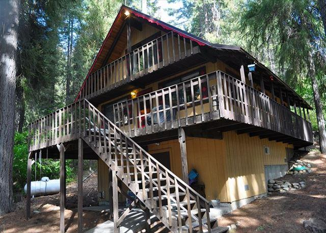 Big Bear on Lake Cle Elum - Looking for a genuine cabin retreat on Lake Cle Elum?  3BR + Loft / 2 BA - Ronald - rentals