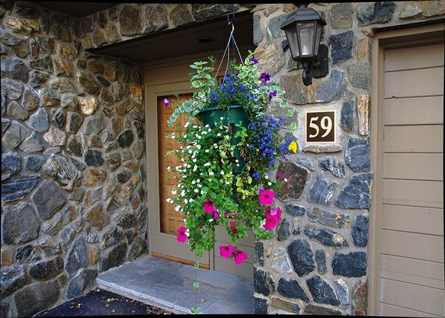 Front Entrance - Golf Course Townhome #59 4 Bedrooms 4 Bathrooms Platinum Unit - Vail - rentals
