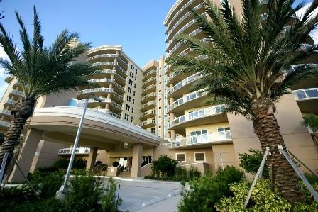 Amazing building front view. - Fall $pecials 1200.00 Oceans Vistas 2 Bedroom 2 bath - Daytona Beach - rentals